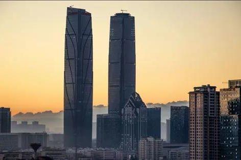 """引援降债融创2.1亿拉来""""老伙计""""中融信托"""