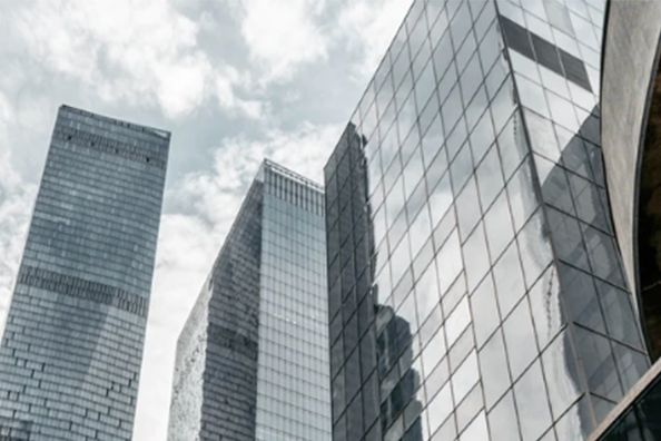 地产前融业务的不确定性