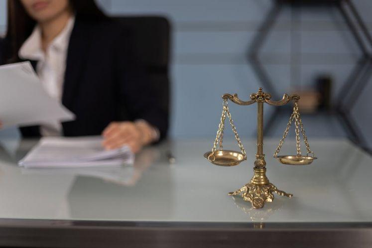 裁判要旨:被执行人是企业法人,债权人对执行法院作出的财产分配清偿方案不服的,债权人可以提出执行分配方案异议之诉